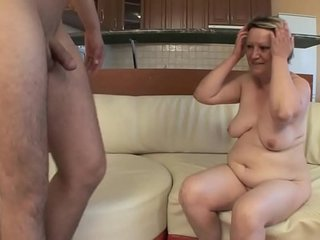 OLD HOUSEWIFE FUCKS WITH Youthful Talented !!