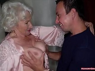 Fucking a Cock Loving Wet Granny