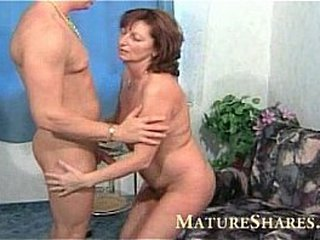 Wet old fur covered granny pussy