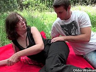 Granny gets her anus invaded outdoors