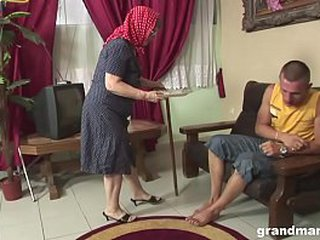 Highly heavy fuck for a very old girl / granny