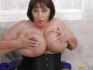 British Huge titted housewife Carol Brown fingering herself