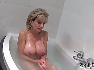 Adulterous uk aged lady sonia pops out her big enjoy muffins