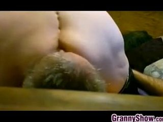 Fat Granny Face Sitting And Squirting
