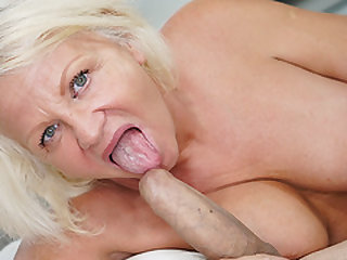 Big dick opened up out a mature pussy