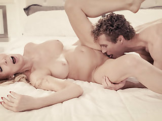 Special fuck rubdown with a mind-blowing widower
