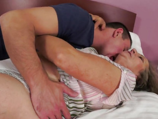 Granny gets her vintage beaver pounded by a junior guy